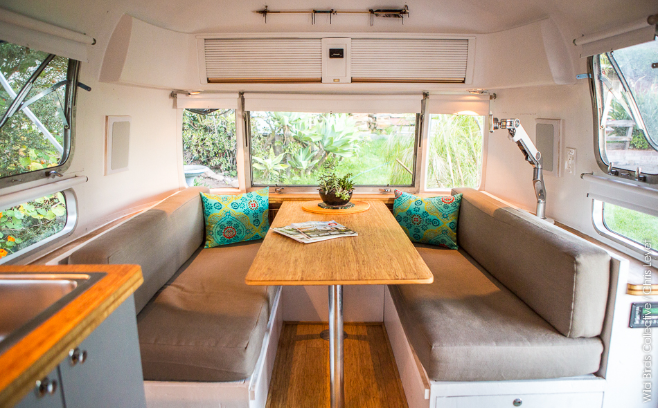 airbnb caravane airstream wild birds collective. Black Bedroom Furniture Sets. Home Design Ideas