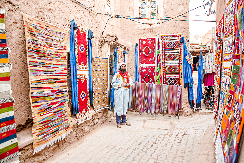 Vendeur de tapis à Taourirt