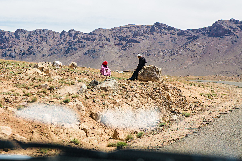 Couple près de Tizi'n Tazazert au Maroc