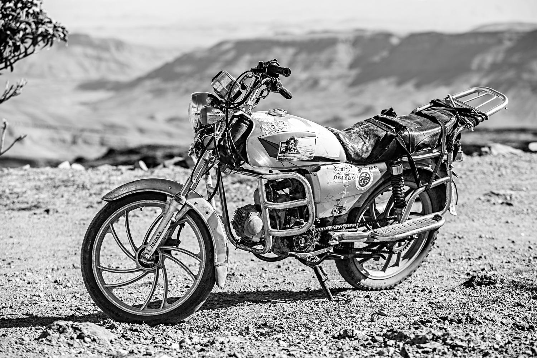 Moto au djebel Saghro au Maroc
