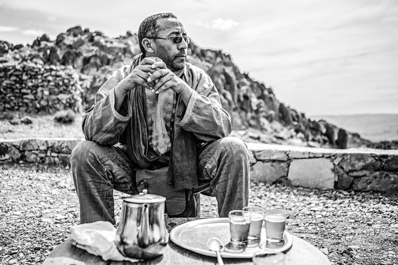 Thé préparé par notre guide au Maroc