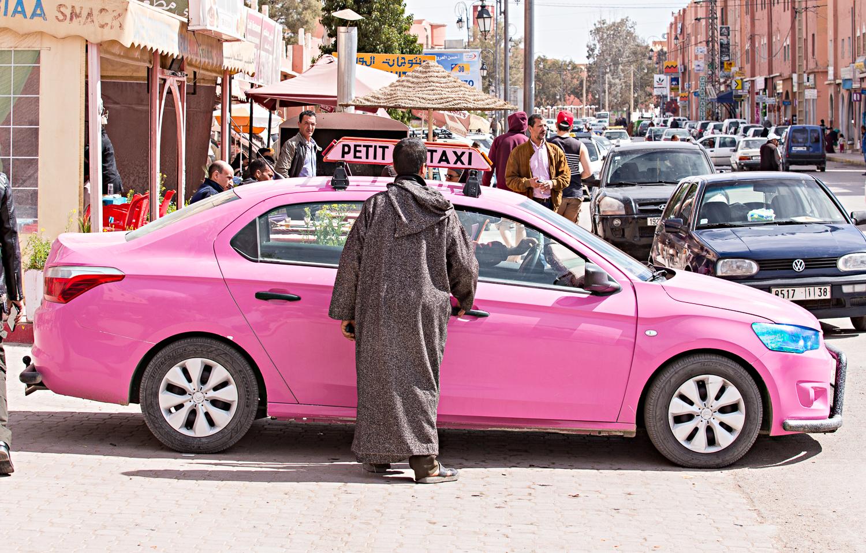 Taxi rose au Maroc
